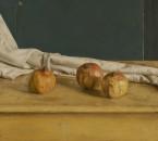 Drie granaatappels met doek. 45x50 cm